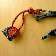 Magnetic monkey's fist knot