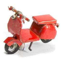 MCAR-01/scooter, MadagasCAR, mini-voertuigjes uit oude blikken, scooter