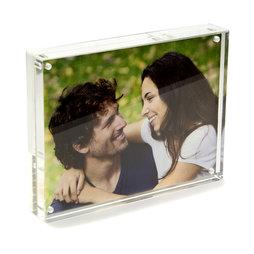 FRM-02, Fotolijstje 15 x 11${dec}5 cm, met magneetsluiting, van plexiglas (doorzichtig), voor staand of liggend formaat