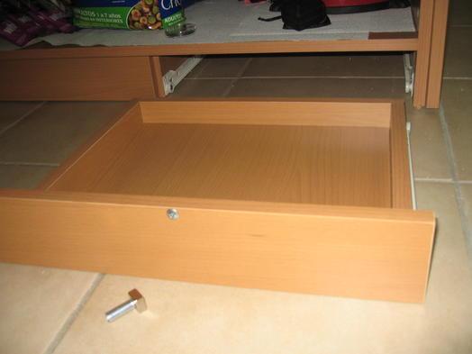 applications aimants fabriquer une cachette magn tique. Black Bedroom Furniture Sets. Home Design Ideas