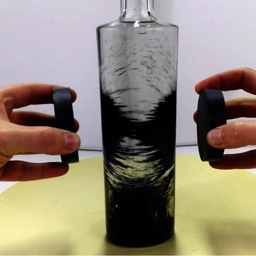 applications aimants limaille de fer dans l 39 eau. Black Bedroom Furniture Sets. Home Design Ideas