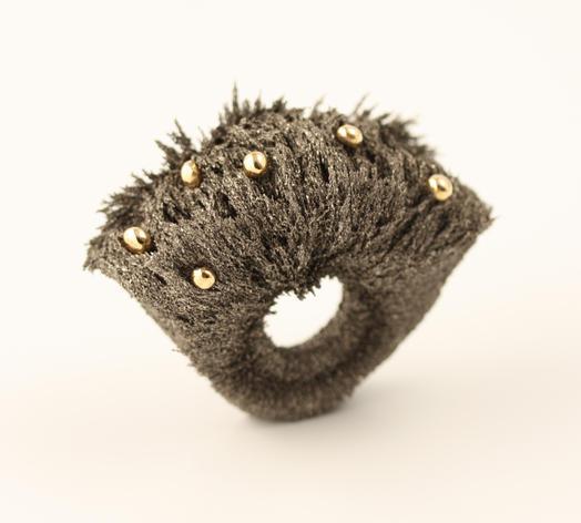 applications aimants bijoux en aimants et limaille de fer. Black Bedroom Furniture Sets. Home Design Ideas