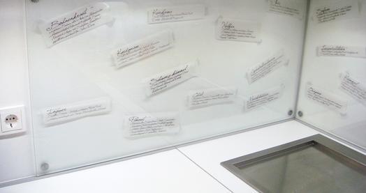 Applications aimants prot ge mur dans la cuisine - Protege mur cuisine ...