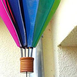 Accrocher des jeux de vent et des lanternes avec des crochets magnétiques
